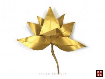origami_chanel_champa_bluete_2012_by_rudolf_deeg